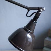 lampen-306-braune-tischlampe-midgard-drgm-originalerhalt-hinged-clamp-lamp-09_dev