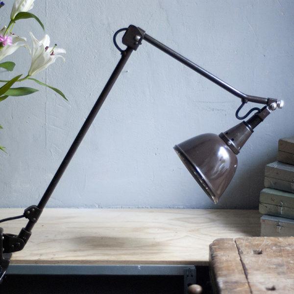 lampen-306-braune-tischlampe-midgard-drgm-originalerhalt-hinged-clamp-lamp-11_dev