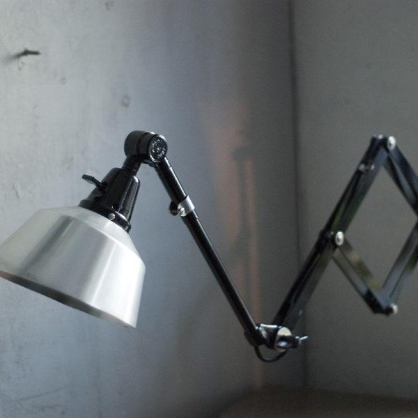 lampen-311-schwarze-scherenleuchte-midgard-ddrp-wall-scissor-lamp-008_dev