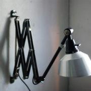lampen-311-schwarze-scherenleuchte-midgard-ddrp-wall-scissor-lamp-016_dev