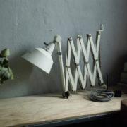 lampen-313-grosse-weisse-scherenlampe-midgard-ddrp-krankenhaus-big-white-scissor-lamp-hospital-037_dev