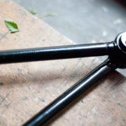 lampen-362-schwarze-gelenklampe-midgard-mit-krone-hinged-lamp-006_dev