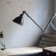 lampen-364-grosse-graublaue-scherenlampe-midgard-big-wall-scissor-lamp-005_dev