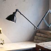 lampen-364-grosse-graublaue-scherenlampe-midgard-big-wall-scissor-lamp-006_dev