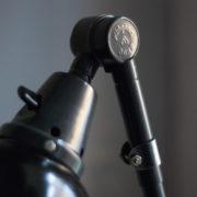 lampen-364-grosse-graublaue-scherenlampe-midgard-big-wall-scissor-lamp-010_dev