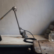 lampen-366-klarlackierte-gelenklampe-klemmlampe-midgard-clamp-hinged-lamp-001_dev