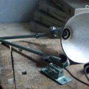 lampen-390-wandlampe-midgard-hammerschlag-gruenblau-wall-hinged-lamp-hammertone-002_dev