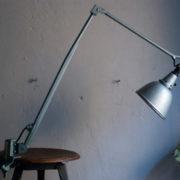 lampen-435-grosse-alte-klemmlampe-midgard-114-hammerschlag-023_dev