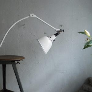 lampen-329-weisse-gelenklampe-klemmleuchte-midgard-curt-fischer-126-bauhaus=hinged-clamp-lamp-30_dev