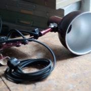 lampen-437-rote-scherenlampe-helion-mit-bakelitschirm-scissor-lamp-red-bakelite-001_dev
