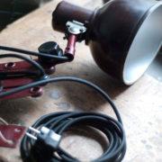 lampen-437-rote-scherenlampe-helion-mit-bakelitschirm-scissor-lamp-red-bakelite-002_dev