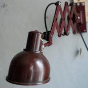 lampen-437-rote-scherenlampe-helion-mit-bakelitschirm-scissor-lamp-red-bakelite-009_dev