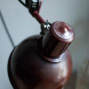 lampen-437-rote-scherenlampe-helion-mit-bakelitschirm-scissor-lamp-red-bakelite-011_dev
