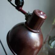 lampen-437-rote-scherenlampe-helion-mit-bakelitschirm-scissor-lamp-red-bakelite-014_dev