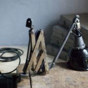 lampen--438-kurze-goldenen-scherenlampe-midgard-109-short-golden-scissor-lamp-39_dev