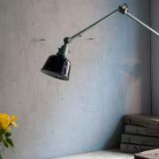 lampen-455-grosse-gelenklampe-werkstattlampe-midgard-ddrp-task-table-lamp-green-hammertone-007_dev