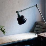 lampen-455-grosse-gelenklampe-werkstattlampe-midgard-ddrp-task-table-lamp-green-hammertone-018_dev