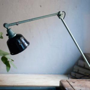 lampen-455-grosse-gelenklampe-werkstattlampe-midgard-ddrp-task-table-lamp-green-hammertone-019_dev