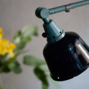 lampen-455-grosse-gelenklampe-werkstattlampe-midgard-ddrp-task-table-lamp-green-hammertone-021_dev