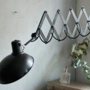 lampen-456-alte-scherenlampe-helion-mit-breitem-schirm-scissor-lamp-bakelite-011_dev