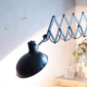 lampen-456-alte-scherenlampe-helion-mit-breitem-schirm-scissor-lamp-bakelite-013_dev