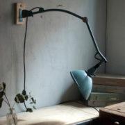 lampen-337-seltene-scherenlampe-gelenklampe-midgard-vorkrieg-wall-hinged-lamp-hammertone-051_dev