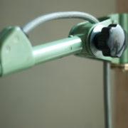 lampen-459-gruene-gelenklampe-midgard-emaillierter-reflektor-hinged-wall-green-lamp-009_dev