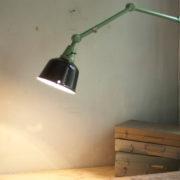 lampen-459-gruene-gelenklampe-midgard-emaillierter-reflektor-hinged-wall-green-lamp-014_dev