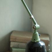 lampen-459-gruene-gelenklampe-midgard-emaillierter-reflektor-hinged-wall-green-lamp-023_dev