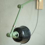 lampen-459-gruene-gelenklampe-midgard-emaillierter-reflektor-hinged-wall-green-lamp-028_dev