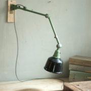 lampen-459-gruene-gelenklampe-midgard-emaillierter-reflektor-hinged-wall-green-lamp-031_dev