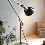 lampe-453-grosse-gelenklampe-midgard-emailliertem-reflektor-big-hinged-table-lamp-enamel-09