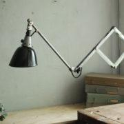lampen-088-grosse-scherenlampe-midgard-drgm-stahloptik-big-scissor-lamp-012