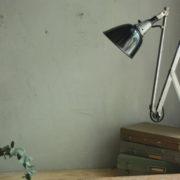 lampen-088-grosse-scherenlampe-midgard-drgm-stahloptik-big-scissor-lamp-020