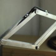 lampen-088-grosse-scherenlampe-midgard-drgm-stahloptik-big-scissor-lamp-025