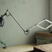 lampen-088-grosse-scherenlampe-midgard-drgm-stahloptik-big-scissor-lamp-026