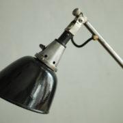 lampen-088-grosse-scherenlampe-midgard-drgm-stahloptik-big-scissor-lamp-027