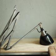 lampen-088-grosse-scherenlampe-midgard-drgm-stahloptik-big-scissor-lamp-036
