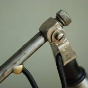 lampen-088-grosse-scherenlampe-midgard-drgm-stahloptik-big-scissor-lamp-038
