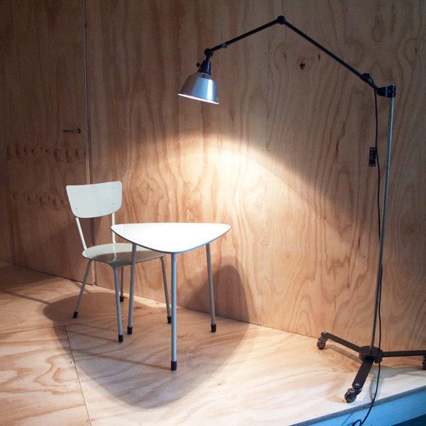 lampen-392-stehleuchte-midgard-ddrp-dreirollsternfuss-floor-standard-lamp_22_dev