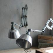 lampen-433-474-paar-von-graublauen-scherenlampen-midgard-originallackierung-pair-of-scissor-lamps-21