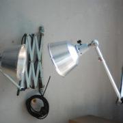 lampen-433-474-paar-von-graublauen-scherenlampen-midgard-originallackierung-pair-of-scissor-lamps-26