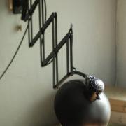 lampen-436-grosse-scherenlampe-kaiser-idell-6614-super-big-scissor-lamp-patina-010