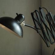 lampen-436-grosse-scherenlampe-kaiser-idell-6614-super-big-scissor-lamp-patina-014