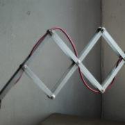 lampen-454-grosse-scherenlampe-midgard-ddrp-steeloptik-weinrot-kabel-big-scissor-industrial-lamp-07