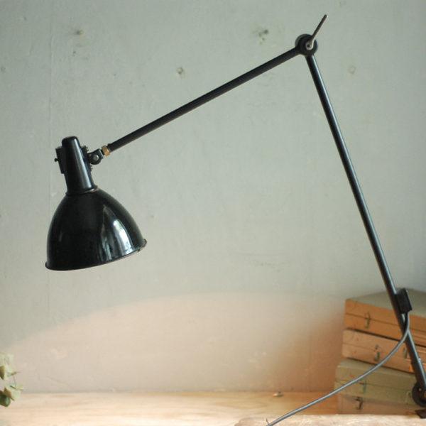 lampen-460-grosse-seltene-lenklampe-mit-bakelit-dom-emailleschirm-big-rare-hinged-lamp-enamel-bakelite-018