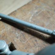 lampen-469-gelenklampe-klemmleuchte-midgard-hammerschlag-grau-clamp-hinged-lamp-hammertone-004