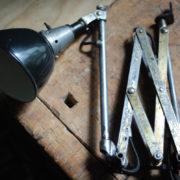 lampen-478-einzigartige-goldene-scherenlampe-midgard-110-scissor-lamp-unique-patina26