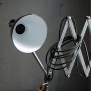 lampen-471-scherenleuchte-midgard-stahloptik-scissor-lamp-emailleschirm-enamel-industrial-004