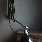 lampen-471-scherenleuchte-midgard-stahloptik-scissor-lamp-emailleschirm-enamel-industrial-014